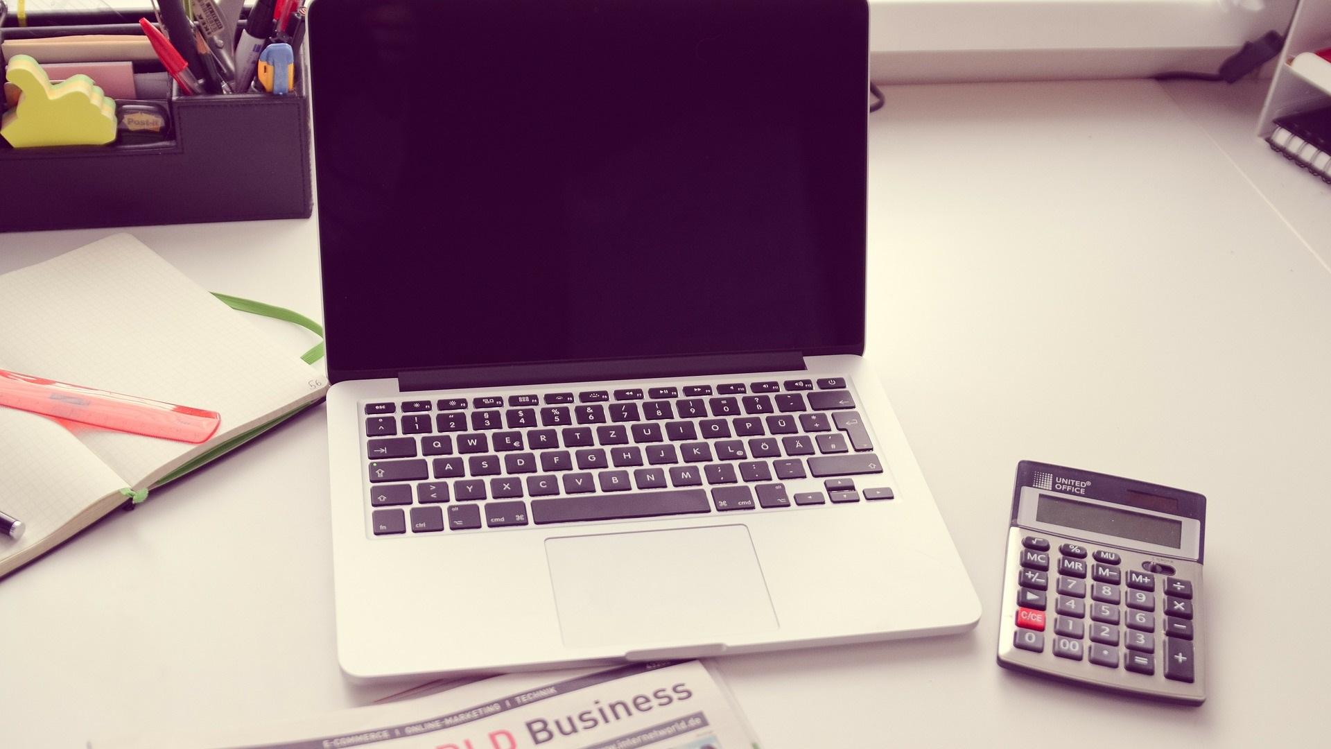 無在庫転売での発送代行業者の選び方や費用などを説明